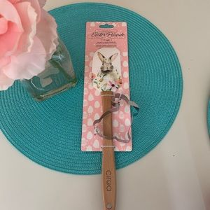 Easter parade bunny print spatula & Cookie cutter